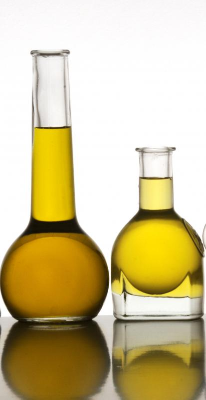 Olive oil can moisturize dry hair.