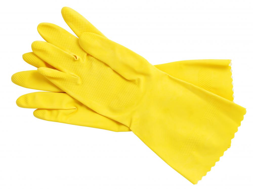 A yellow rubber gloves handjob for the pool boy 7