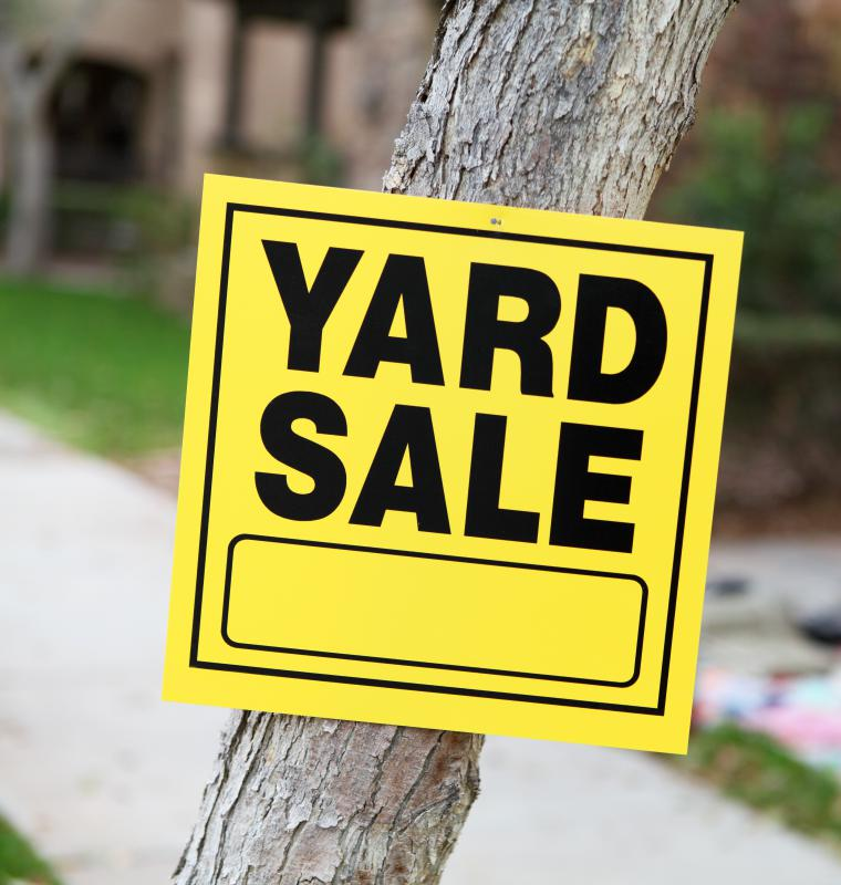 Yard sale signs should direct customers to the proper site.